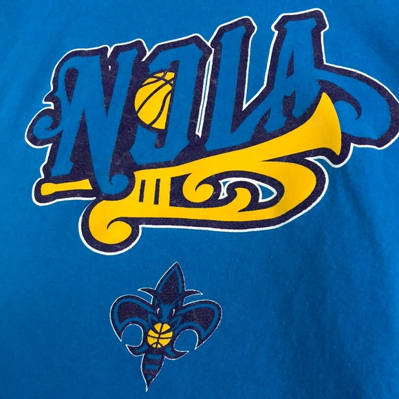 adidas Other - Adidas New Orleans Hornets t shirt (XL)